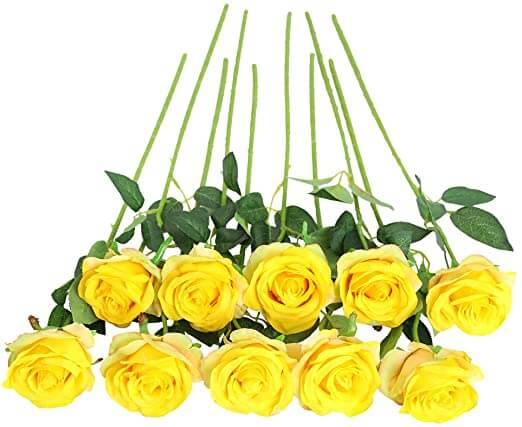 Foto de ramo de rosas amarillas. Diez rosas amarillas con un tallo fino y largo